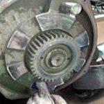 巻上用電動機ブレーキ部のメンテナンス