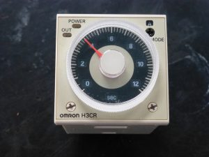 オムロンの電子タイマー