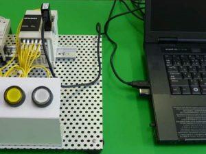 PLCとパソコンを接続