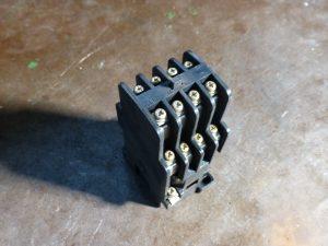 電磁継電器1