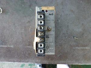 オムロンのスイッチング電源