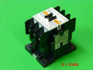 富士電機の電磁接触器写真