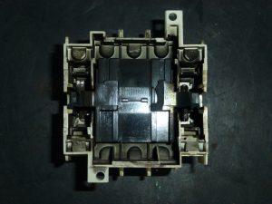 マグネットスイッチの分解写真